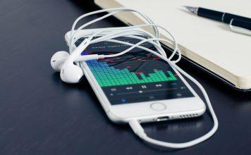 iPhone FM